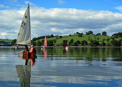 Relaxed sailing on the River Dart