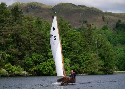TW039 Creating a Bow Wave on Windermere